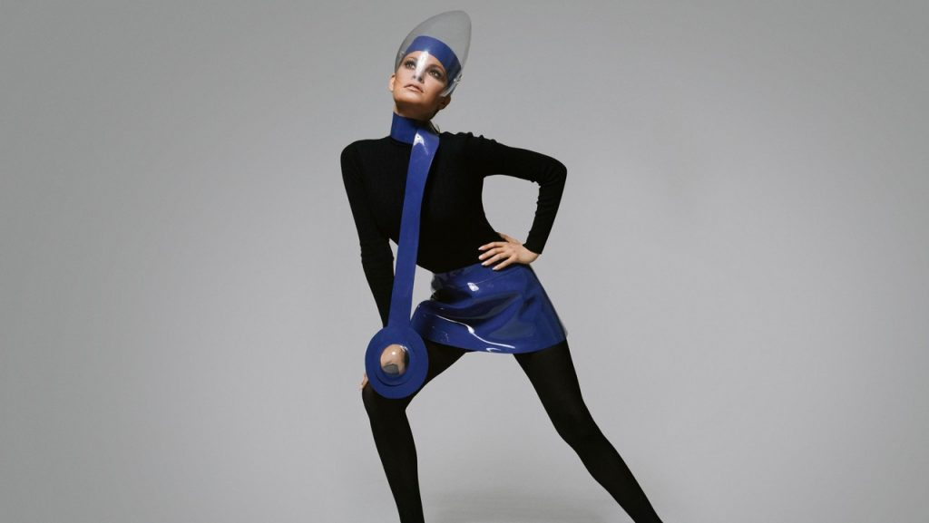 Pierre Cardin uniforms for the Moon